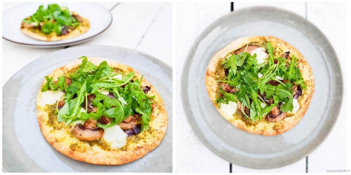 recept platbroodpizza mozzarella rucola champignons