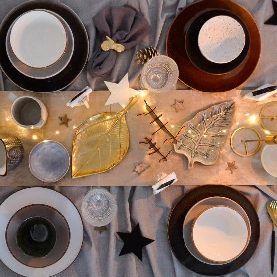 Kersttafel van bovenaf