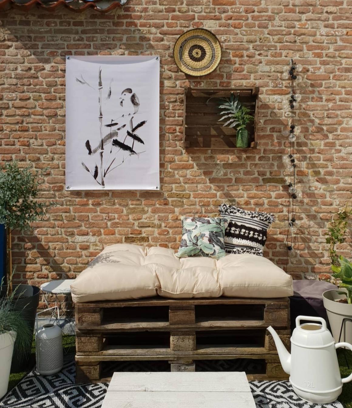 Pallet loungebank tuinposter