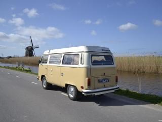 Volkswagen camper bus